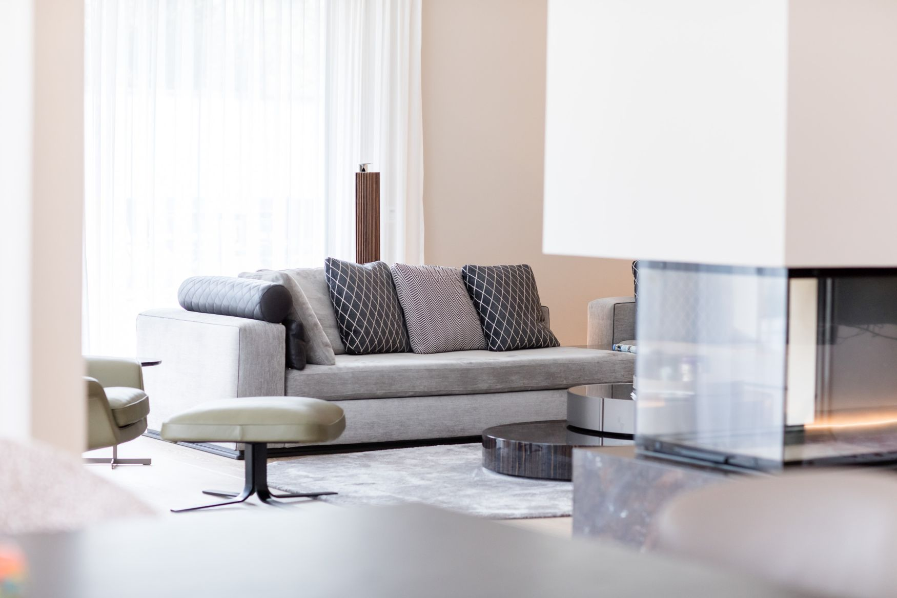 modern klassische villa m nchen joachim wagner interior design. Black Bedroom Furniture Sets. Home Design Ideas